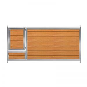 Frente listones PVC con puerta boxes para cachorros